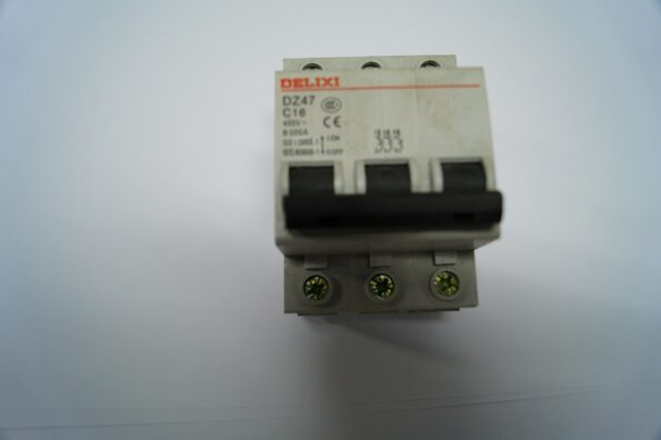 switch_3fase_6500_6700_